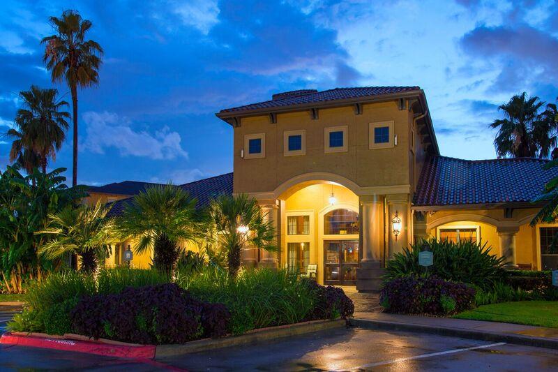 Estancia San Miguel Apartments Houston TX