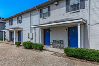 Exterior at Listing #139270