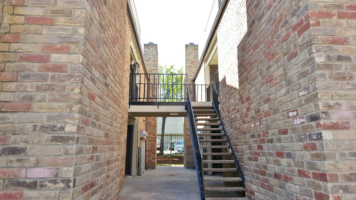 Exterior at Listing #136253
