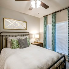 Bedroom at Listing #141431