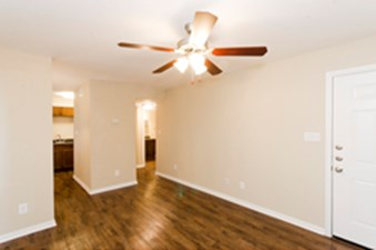 Living at Listing #141077