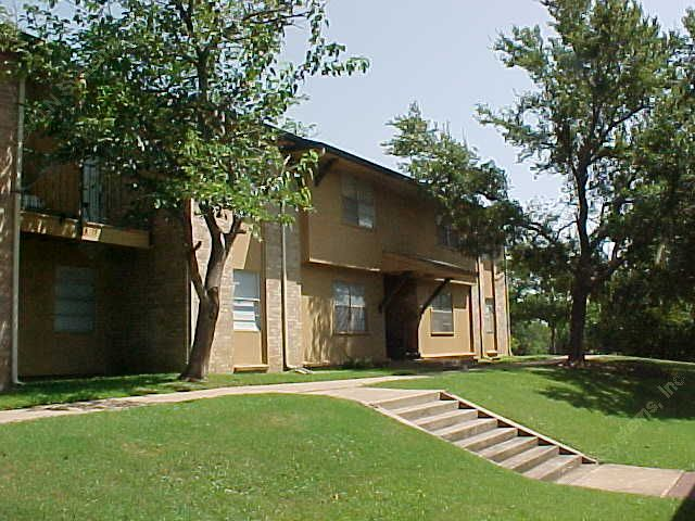 Exterior 4 at Listing #137813