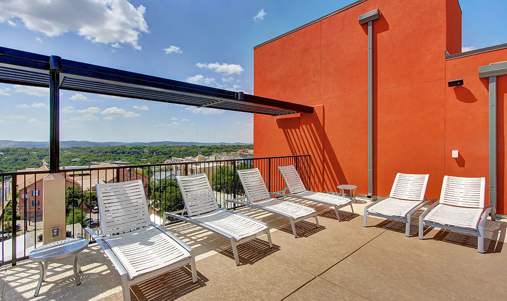 Lounge at Listing #281807