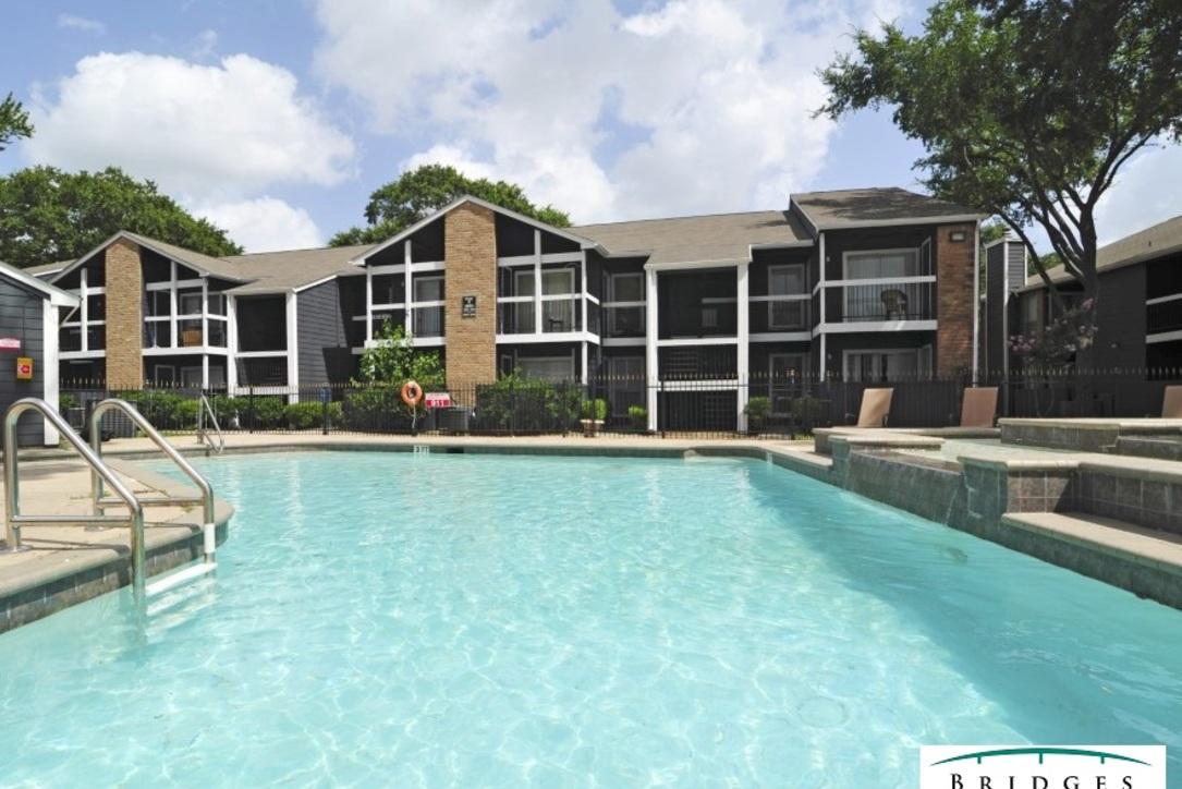 Pool at Listing #138624
