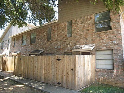 Exterior 4 at Listing #136956