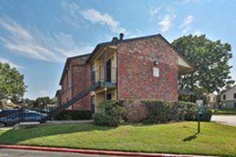 Exterior at Listing #136985