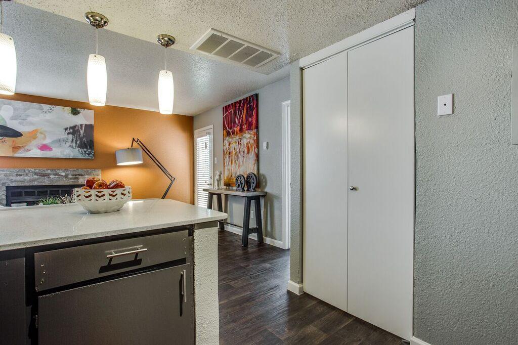 Kitchen at Listing #136817