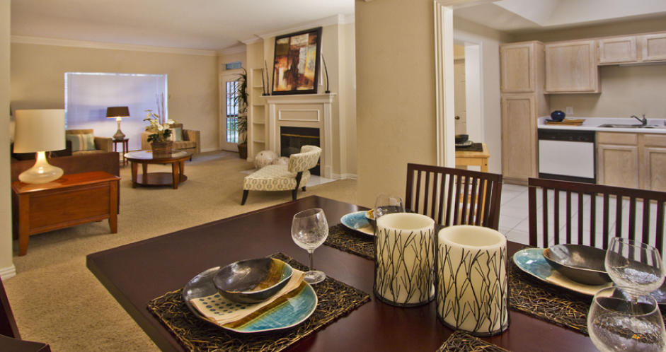 Living Area at Listing #136704