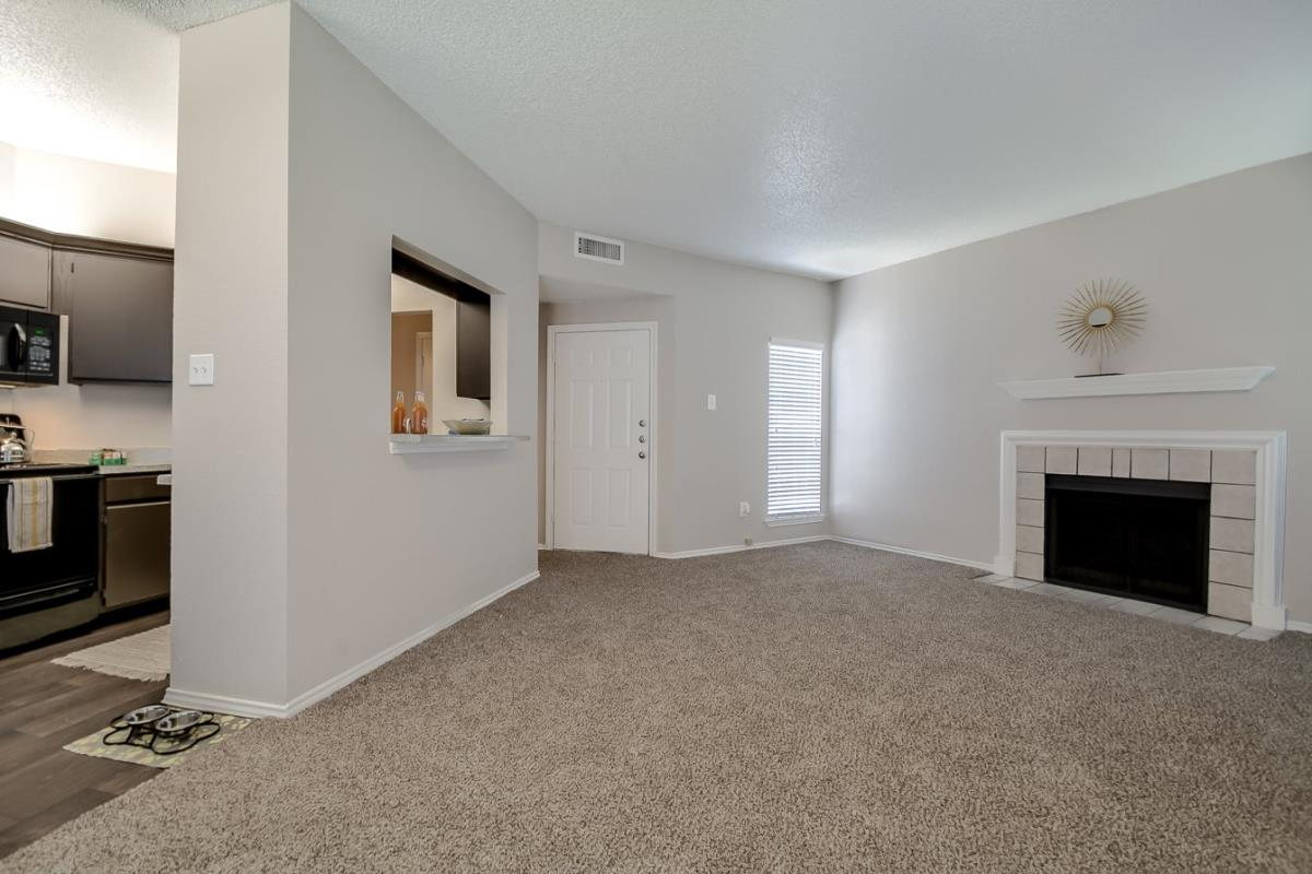 Living at Listing #136931