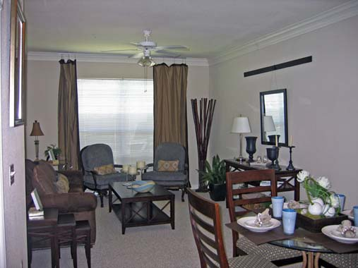Living/Dining at Listing #140020