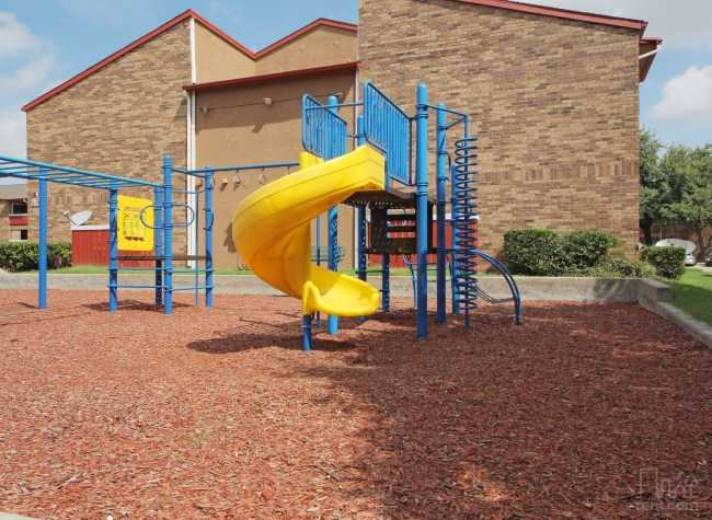 Playground at Listing #136094