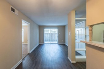 Living at Listing #139725