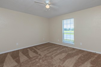 Bedroom at Listing #139270