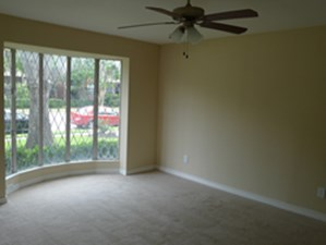 Living at Listing #289678
