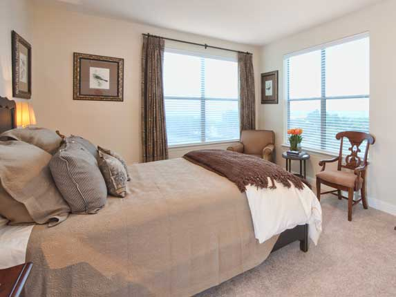 Bedroom at Listing #150345