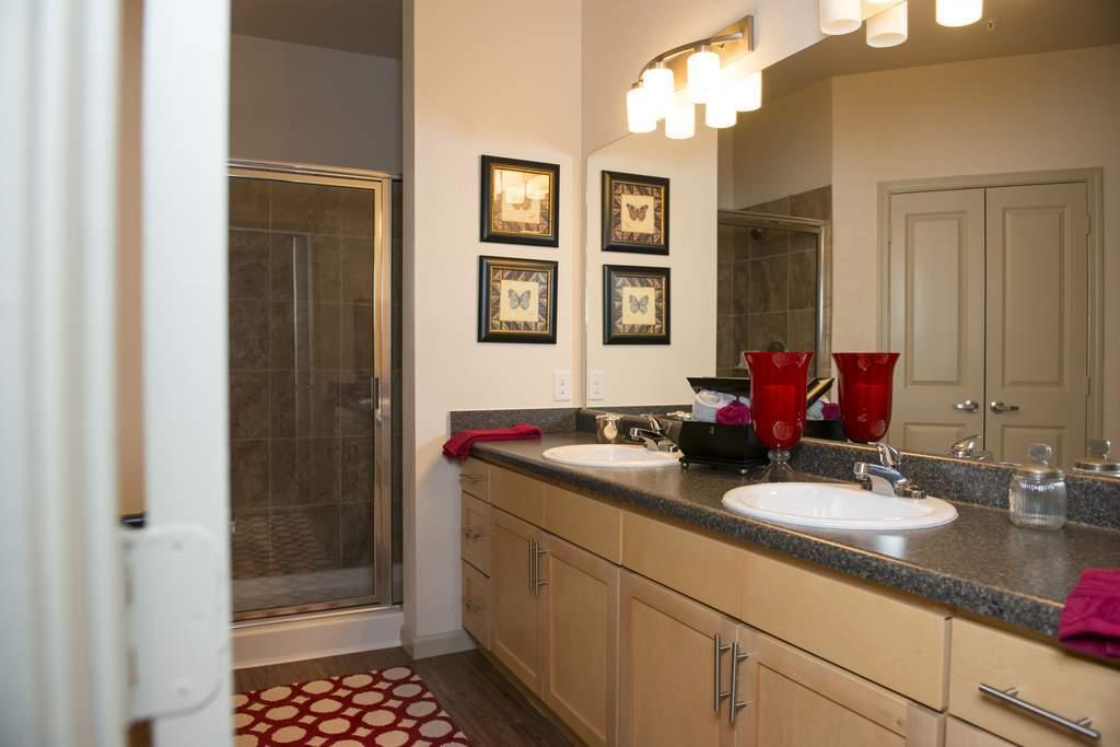 Bathroom at Listing #282105