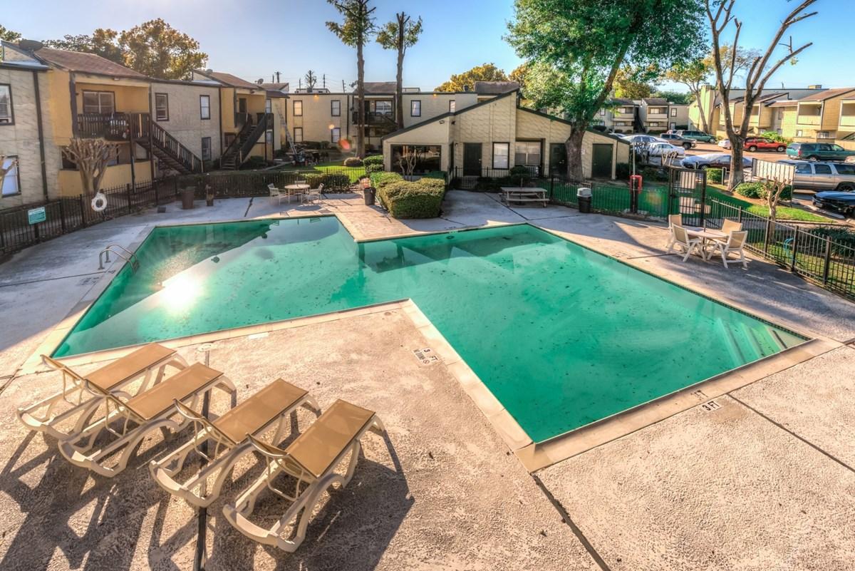 Pool at Listing #139576
