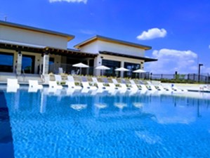 Pool at Listing #281894
