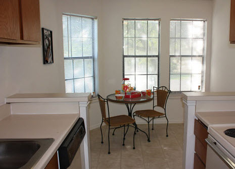 Dining at Listing #279488