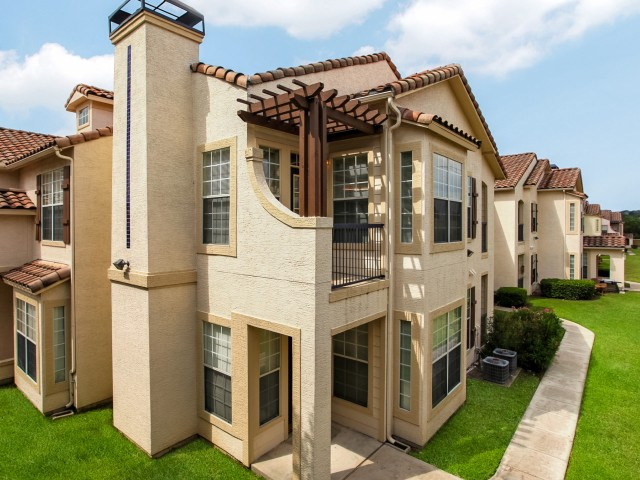Oxford at Sonterra Apartments San Antonio TX