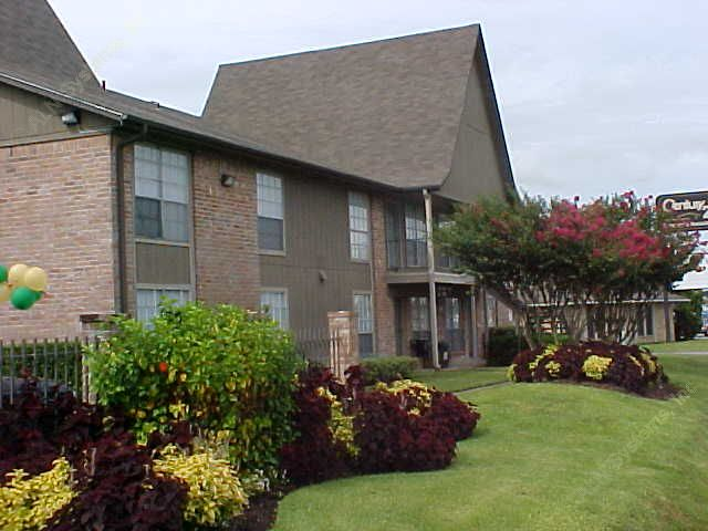 Steeplechase Apartments Alvin, TX