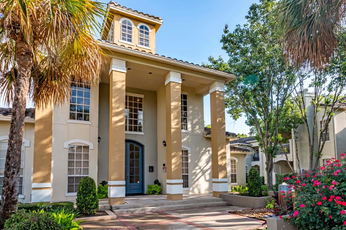 Exterior at Listing #138298