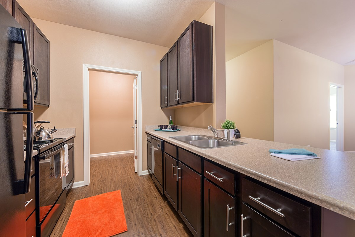 Kitchen at Listing #289057