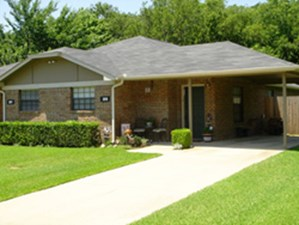 Exterior at Listing #137263