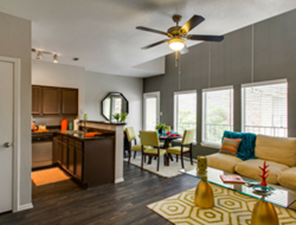 Living Area at Listing #137155