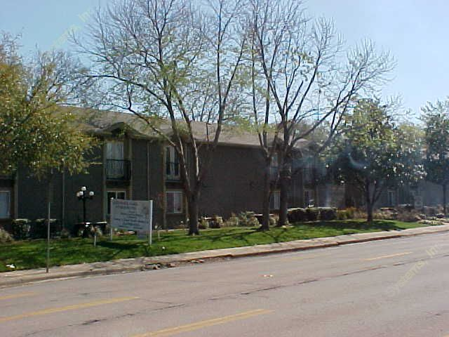 Exterior 5 at Listing #137469