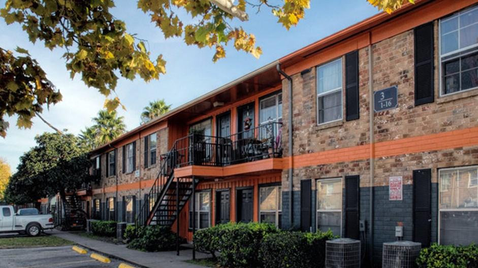 Summercrest Apartments