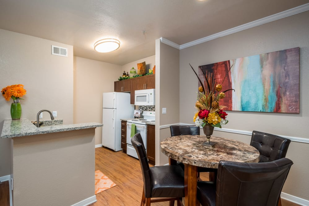 Dining at Listing #137651