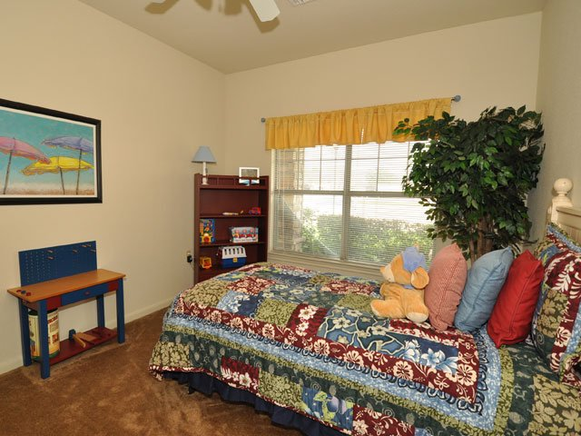 Bedroom at Listing #144473