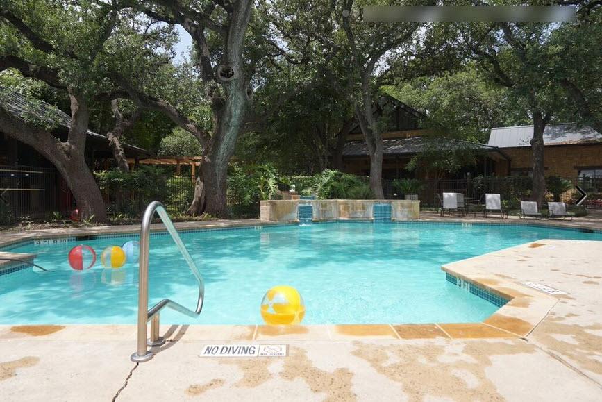 Pool at Listing #141427