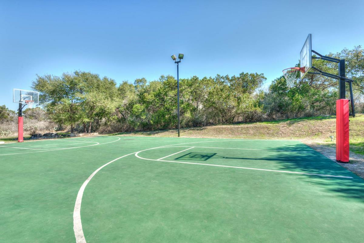 Basketball at Listing #143945