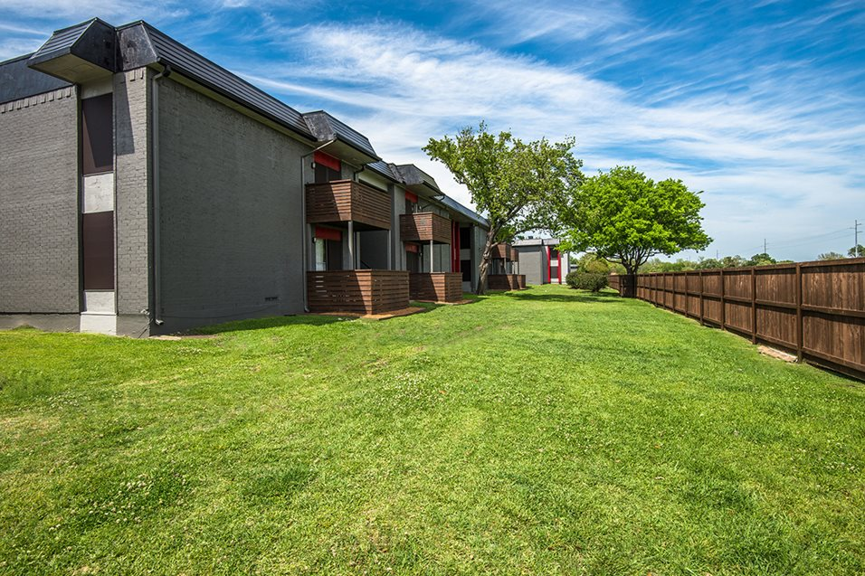 Exterior at Listing #136250