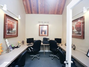 Business Center at Listing #140463