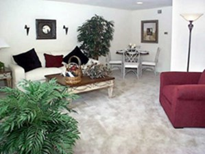 Living Area at Listing #139077