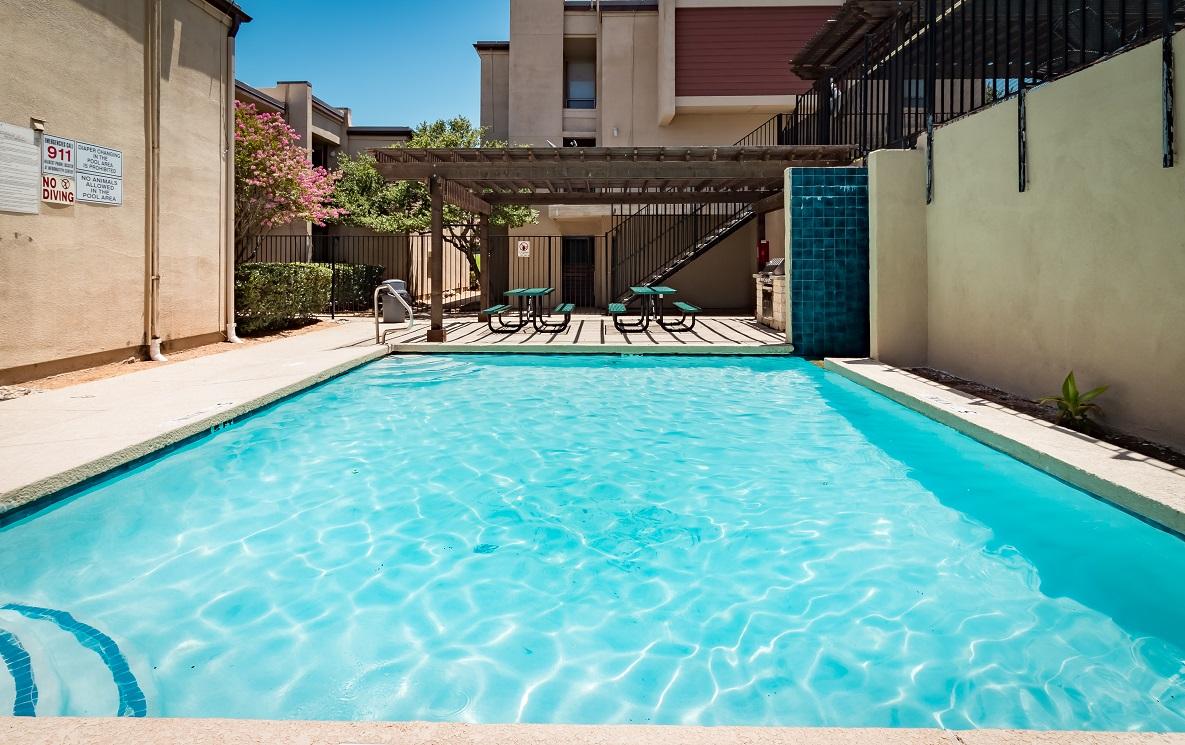 Pool at Listing #137184