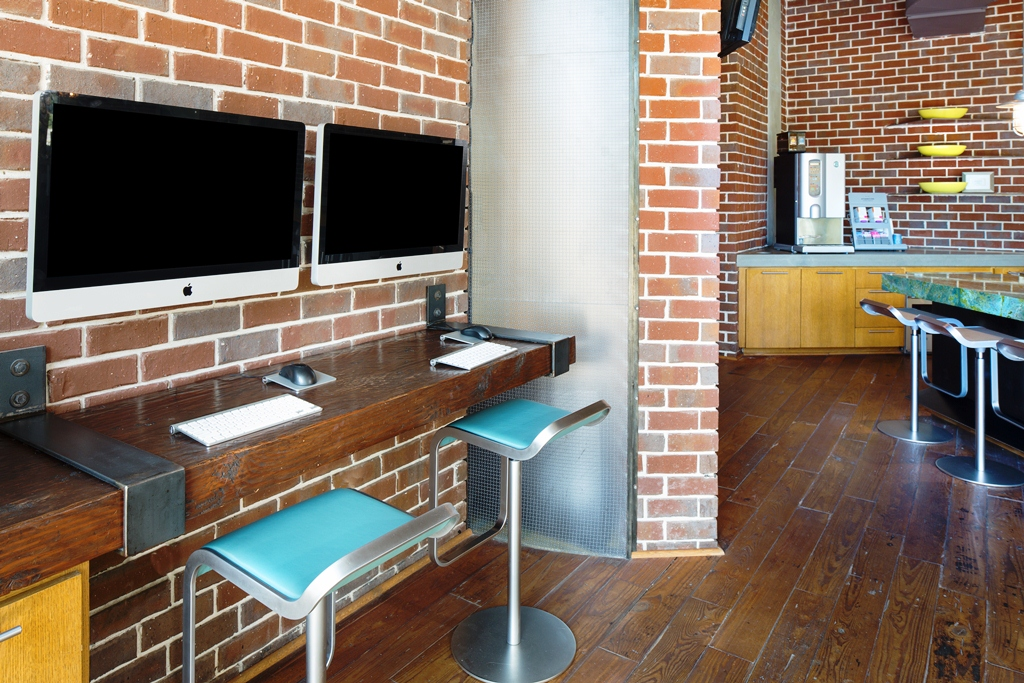 Business Center at Listing #147091