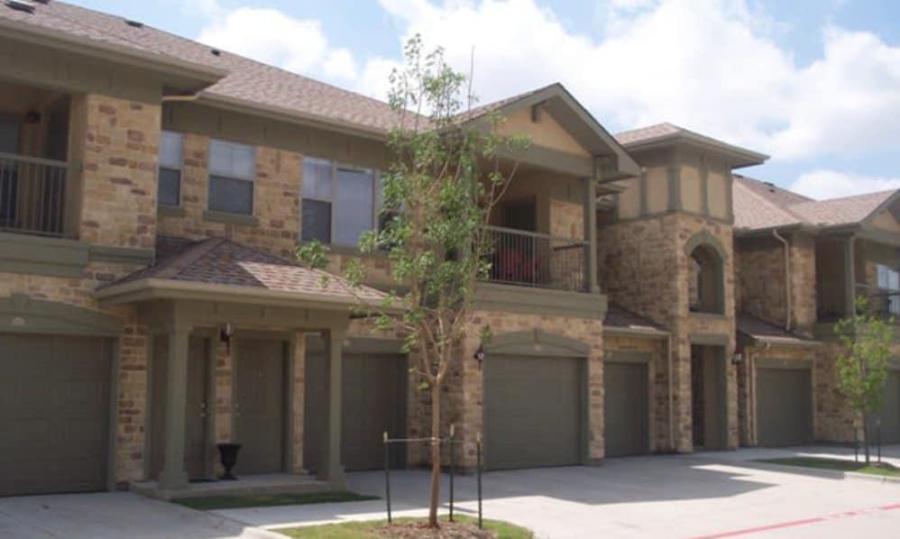 Stone Lake Apartments Grand Prairie TX