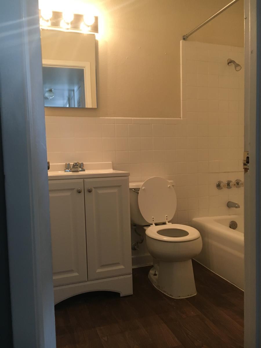 Bathroom at Listing #141008