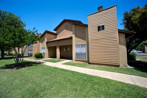 Cottonwood Apartments Addison TX