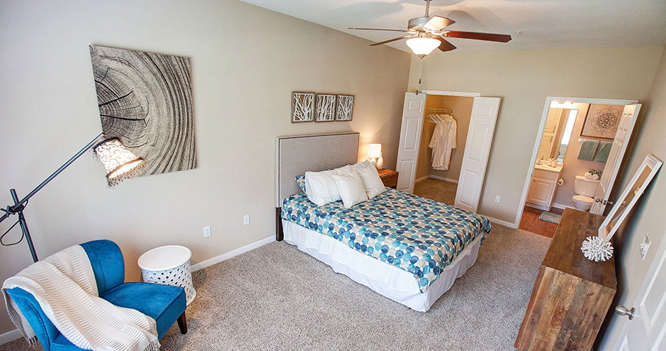 Bedroom at Listing #147508