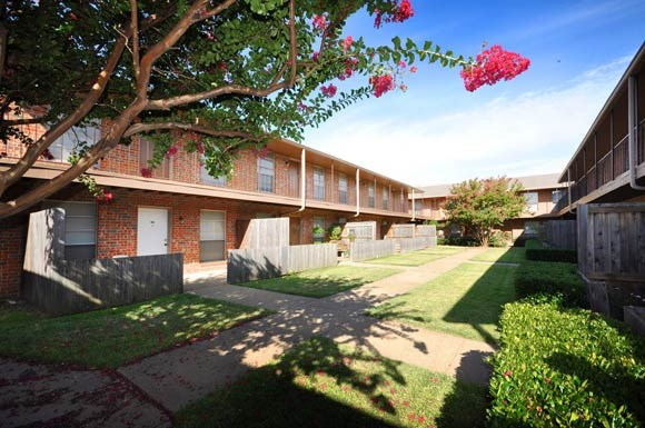 Highland Terrace Apartments Greenville TX
