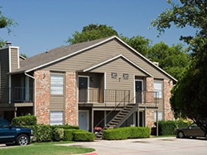 Exterior 2 at Listing #136140