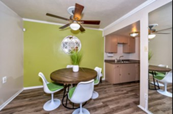 Dining/Kitchen at Listing #136662