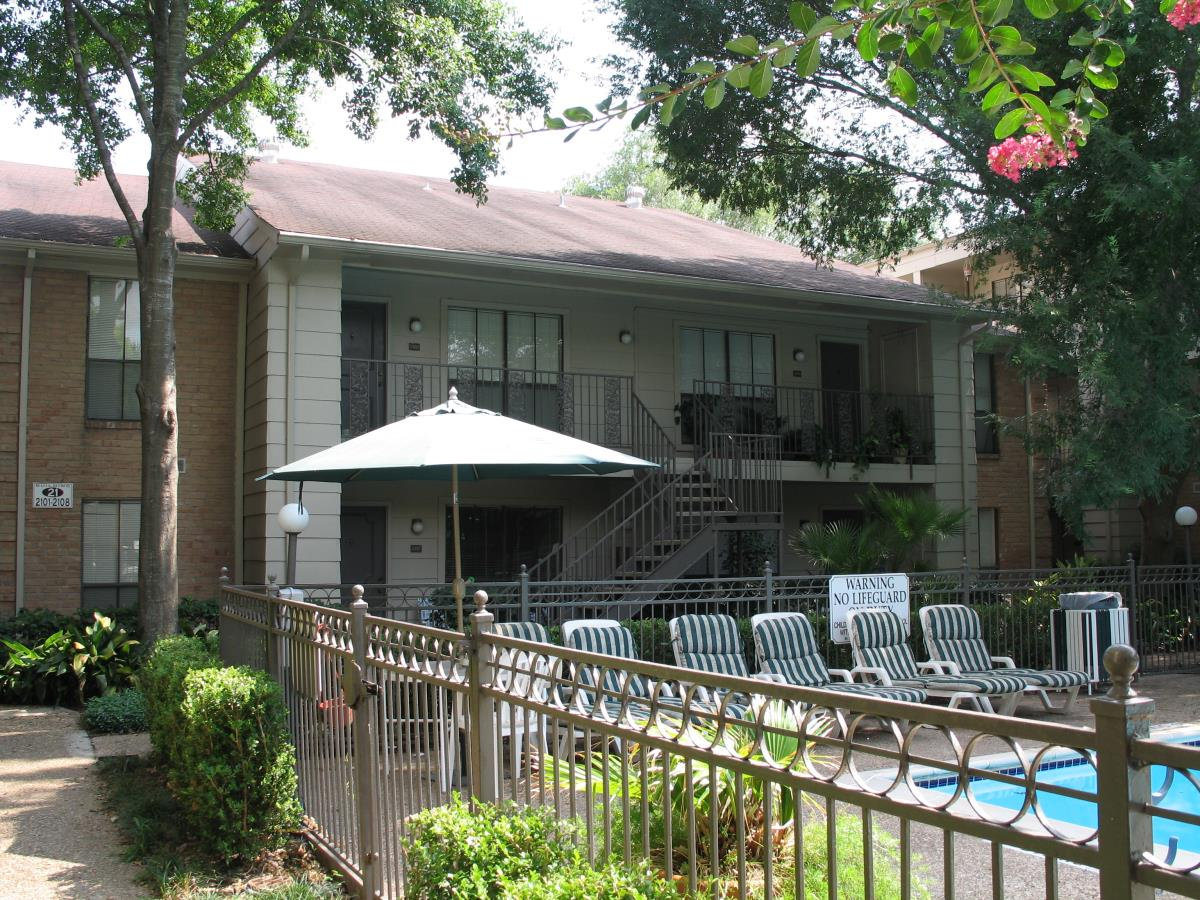 Pool at Listing #138710