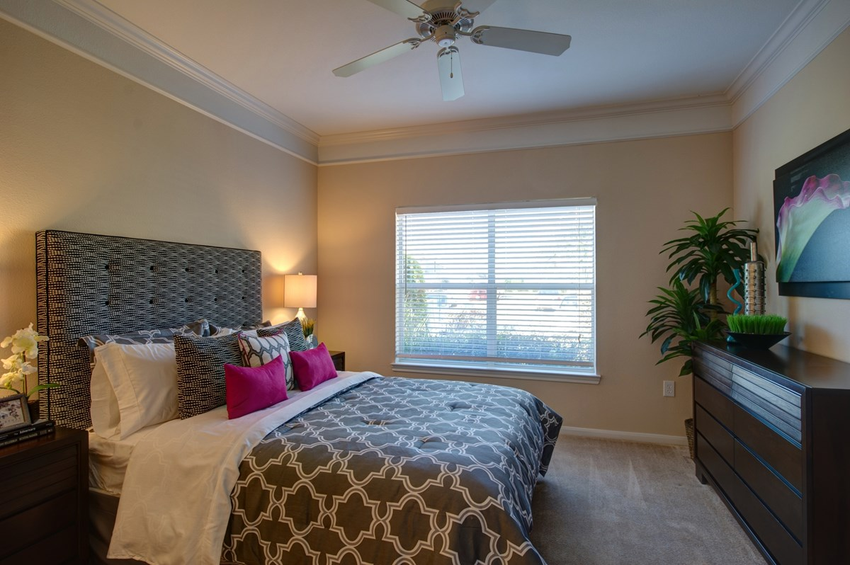 Bedroom at Listing #145059