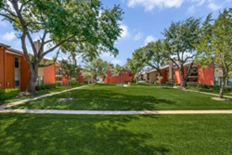Courtyard at Listing #136077
